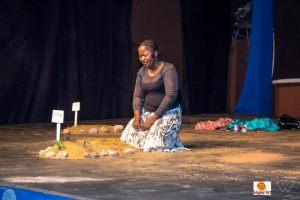 """pièce de théâtre """"FEMME & STEREOTYPES'' de Fanta Mallé, a été présenté au Centre Culturel Kôrè devant un public engoué"""