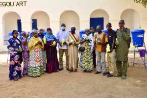 remise de Kits sanitaires COVID-19 aux organisations artistiques et culturelles de la ville de segou.